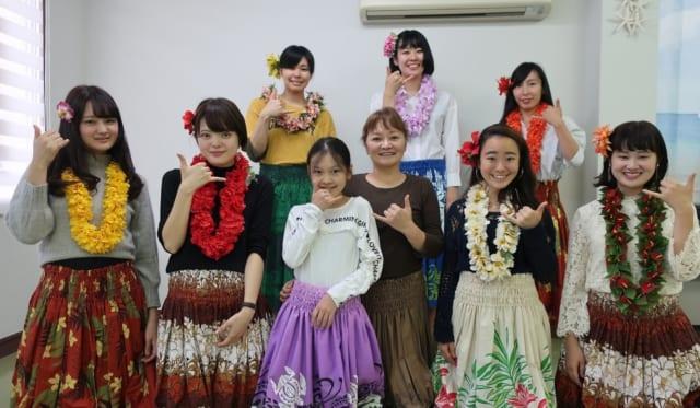 【学生レポート】第2回現地訪問(2)フラダンス体験、豆腐カフェ naraya