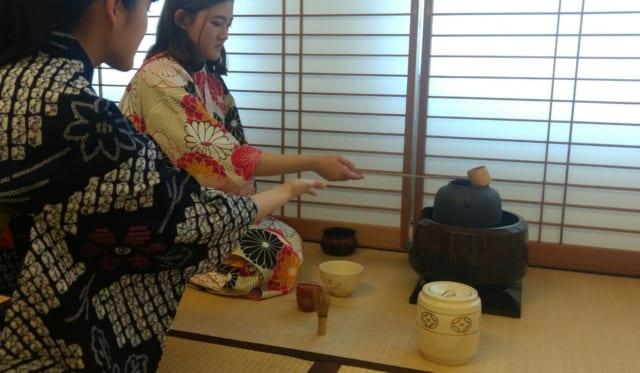茶道練習会を実施!