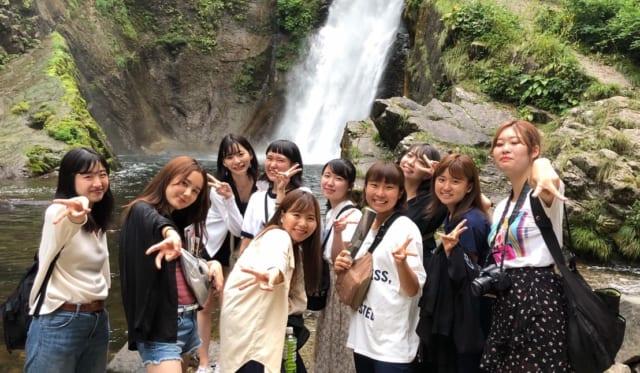 【学生レポート】現地訪問(3)お箸の漆塗り、秋保大滝、ホテルでの豪華バイキング